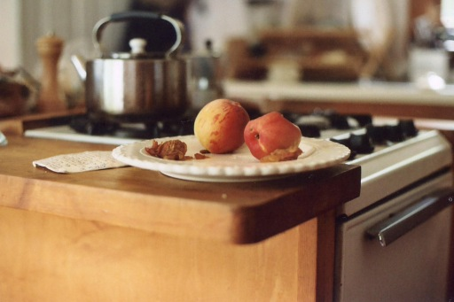 plate with peaches