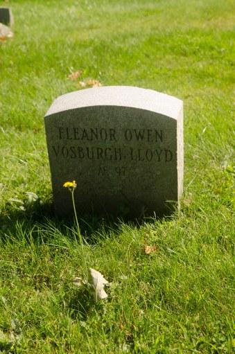 gravestone & flower
