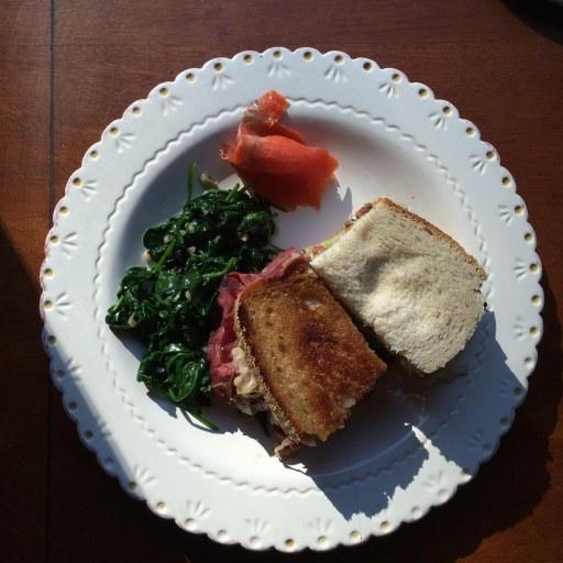 sandwich food on plate